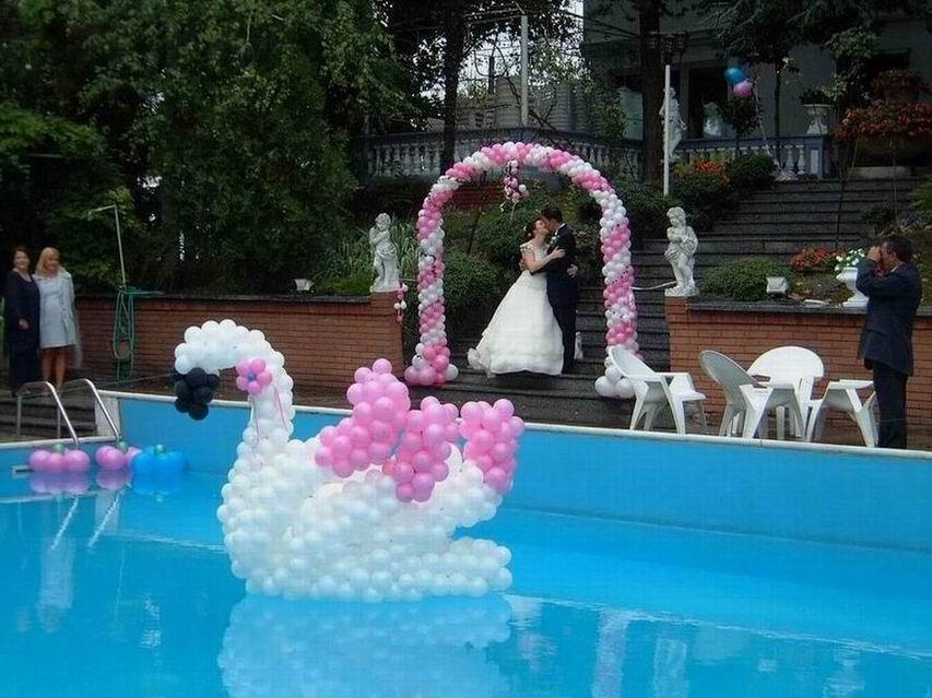 Addobbi e scenografie con palloncini artisti di strada i for Addobbi piscina per matrimonio