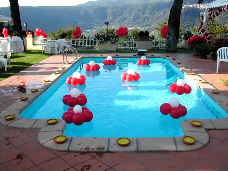 Feste di compleanno per bambini artisti di strada i for Addobbi per feste in piscina