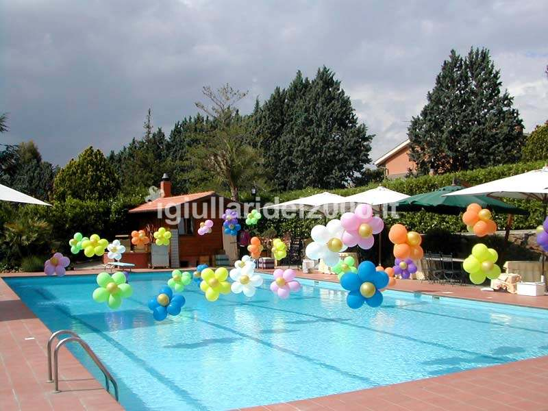 Addobbi e scenografie con palloncini artisti di strada i for Idee per party in piscina
