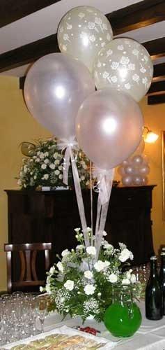 Addobbi con palloncini per matrimonio artisti di strada i giullari del 2000 - Composizione palloncini da tavolo ...