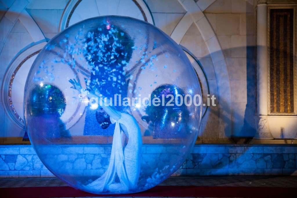 Ballerina nella Sfera per Feste e Cerimonie by I Giullari del 2000