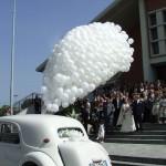 Volo Augurale in palloncini per chiesa nuziale