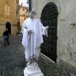 statua vivente imperatore romano