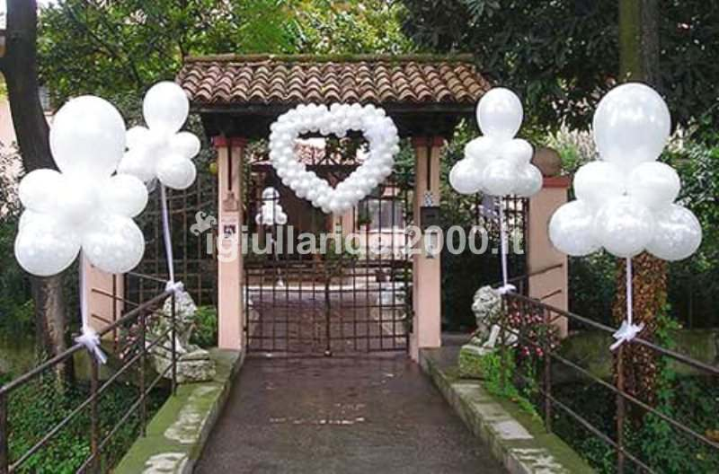 Addobbi con palloncini per matrimonio artisti di strada for Decorare una stanza con palloncini