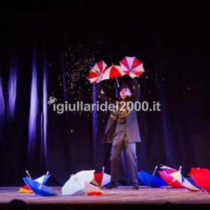 mago-illusionista-elegante-per-festa-di-piazza